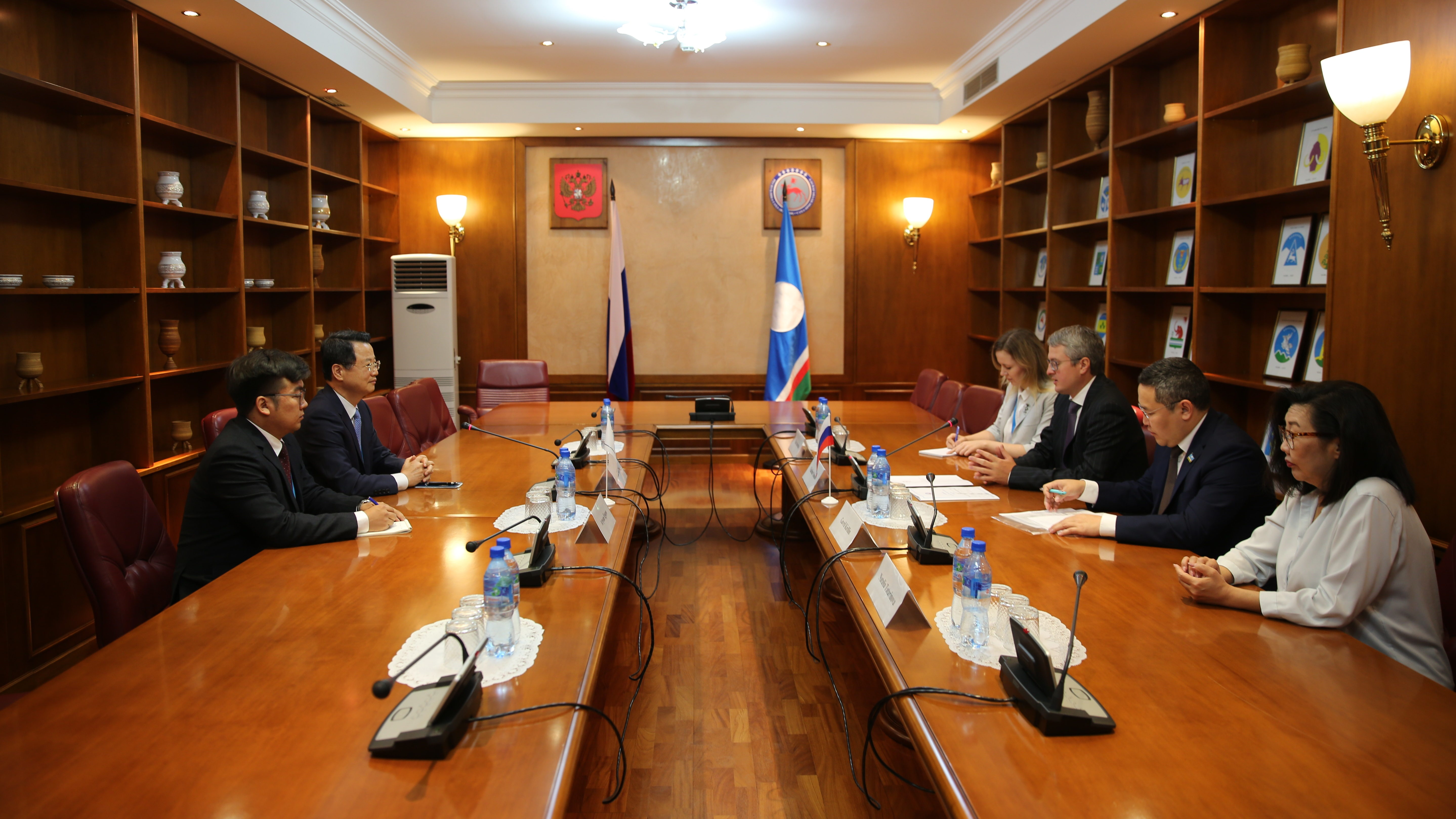 Secretary General Kim Ok-chae Meets with Prime Minister of the Republic of Sakha Vladimir Solodorf